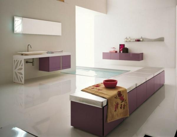 badezimmer-mit einer-ultramodernen-badewanne- lila und weiße farben
