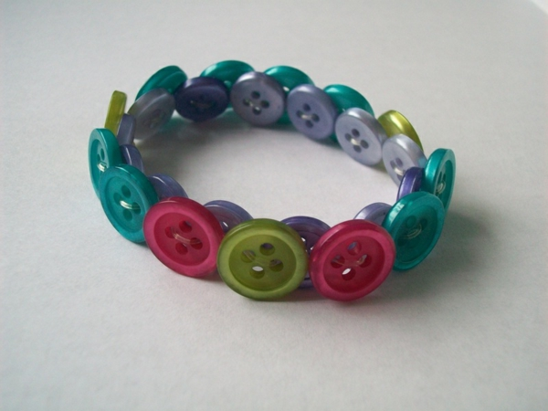 Bastelidee Für Knöpfe Diy Armband  Einfache Idee