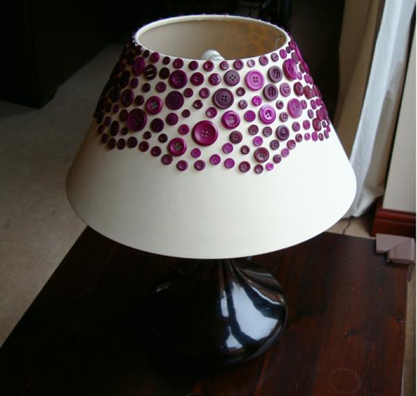 basteln-mit-knöpfen-lampe-dekoration- coole bastelideen