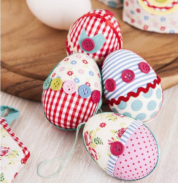 knöpfe als eier dekoration für ostern verwenden