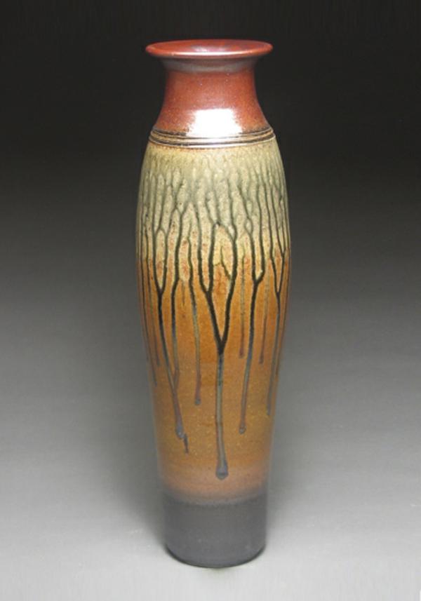 bodenvase-dekoration- aus keramik hergestellt