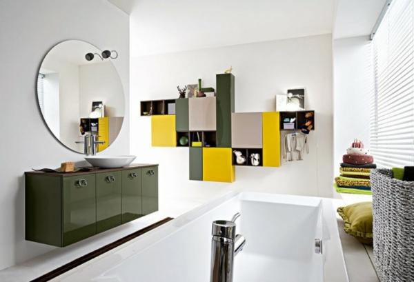 bunte-farben-wandschrank-im-bad- großer runder spiegel