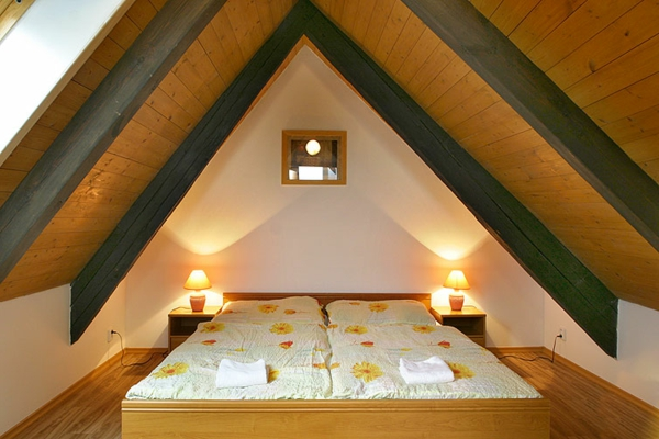 kleines schlafzimmer in dachwohnung einrichten
