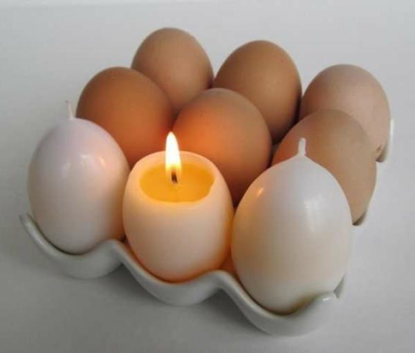 originelles Kerzen Modell  - wie eier erscheinen