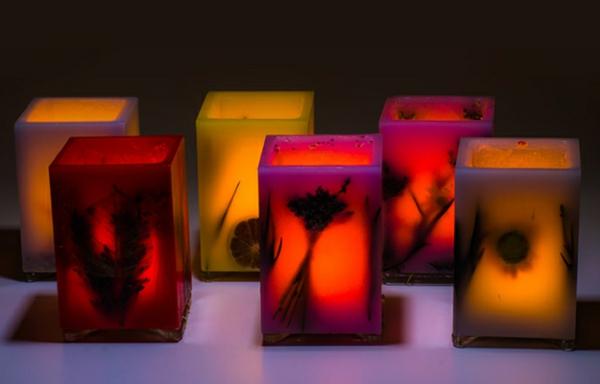 lampe ähnelte dekorative kerzen in warmen farbnuancen
