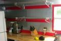 Drahtregale in der Küche – praktisch und schön
