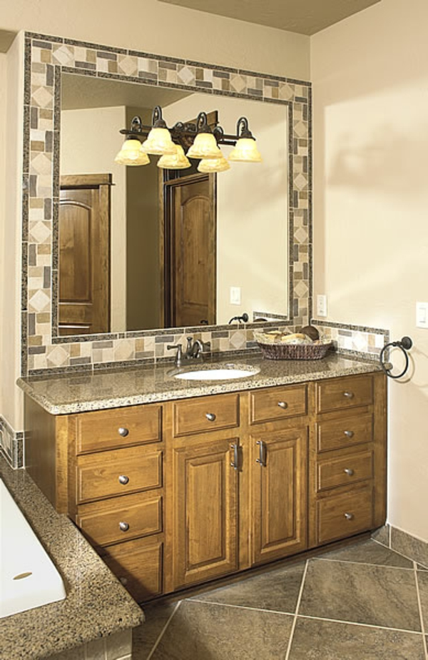 eleganter-badschrank-ockra-farbe- modernes-badezimmer