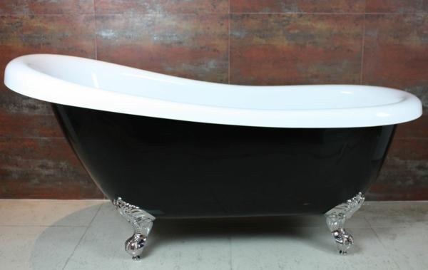 elegantes-modell-von-badewanne- marmor wand