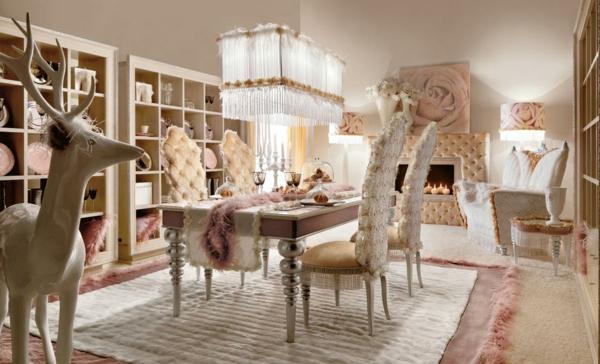 Dekoration Luxus Kronleuchter Und Stühle Im Rosigen Esszimmer