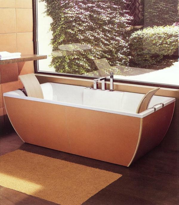 extravagantes-modell-von-badewanne - gläserne wand im badezimmer