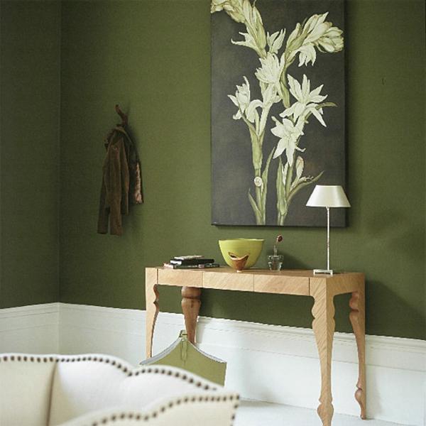 flur-in-grün-gestalten - mit einem bild an der wand