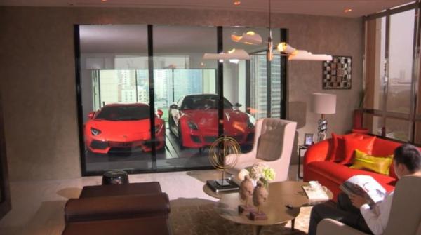 garage-neben-dem-wohnimmer-gläserne-trennwand