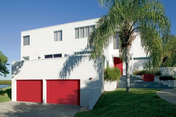 garagen-mit-roten-toren