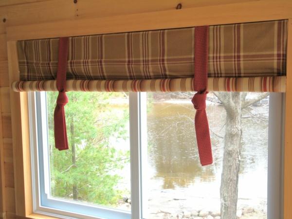 gardinen-ideen-braune-rote-farbnuance- holzzimmer