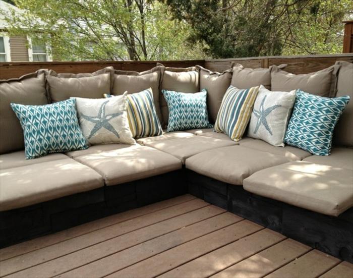 sofa aus paletten im garten - bauen mit paletten