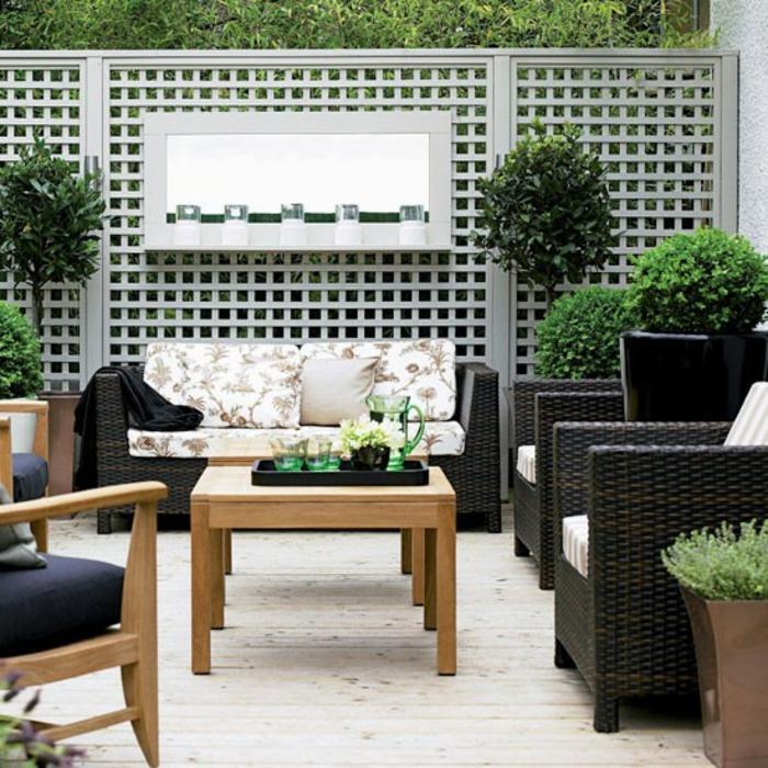 gartenzaun-ideen-grüne-bepflanzung-modernes-design