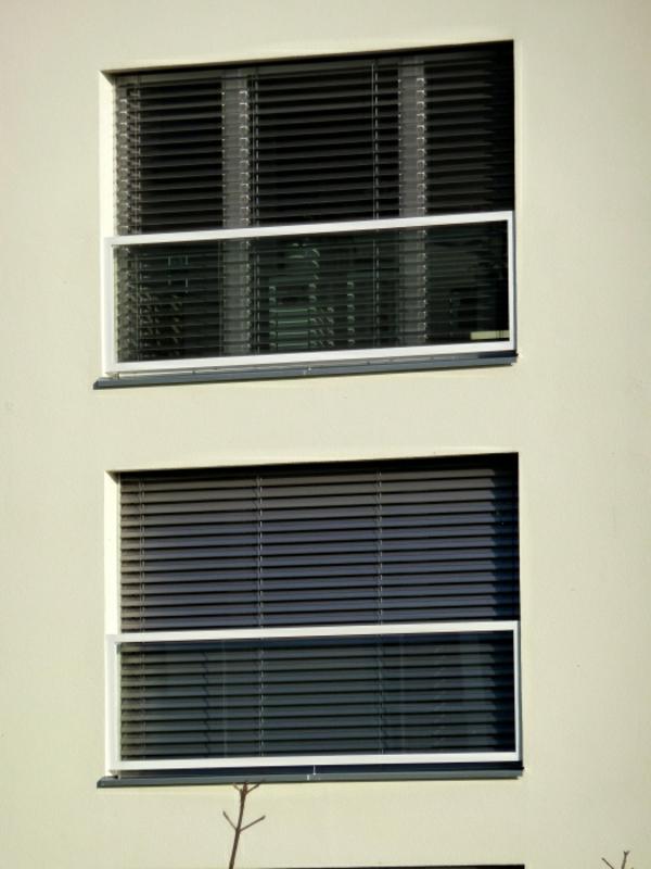 geländer-fenster-ideen- zwei etagen mit fenstern