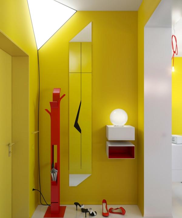 gelber-flur mit extravagantem design
