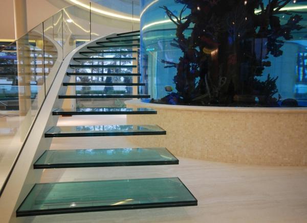 luxus interieur- freischwebende treppen aus glas