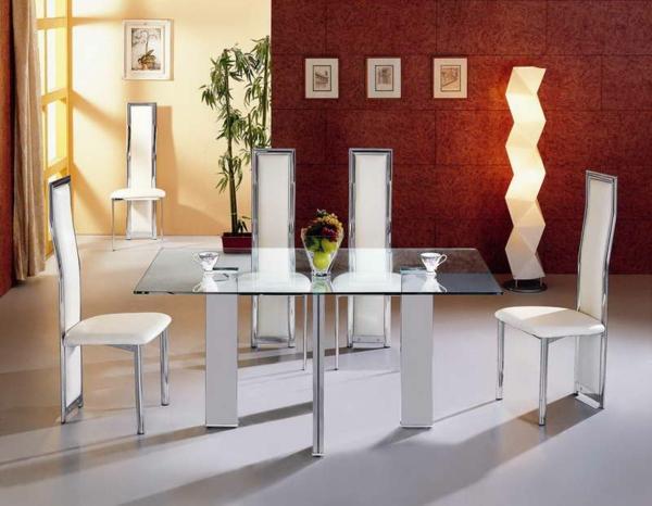 Esszimmer Mit Glastisch : Esszimmer Rote Wand  esszimmer mit einem glastisch und vier eleganten