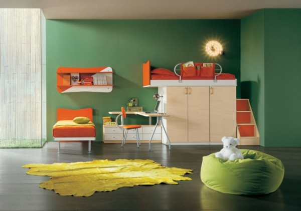 graue-wandgestaltung-im-jugendzimmer- möbel in orange