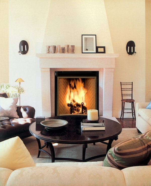 Großer Moderner Kamin Im Haus   Feuer