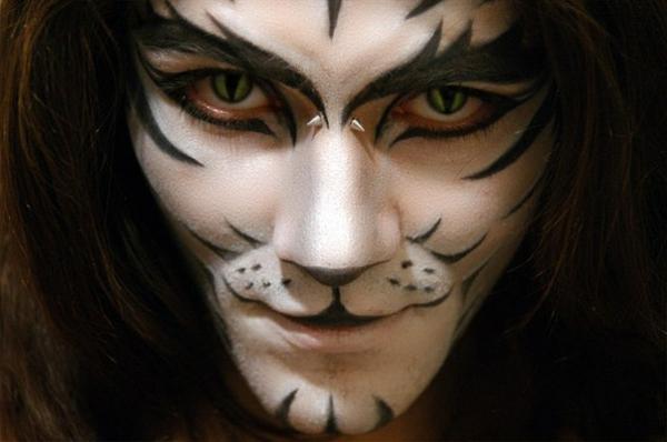 halloween-schminken-mann- ein tier ähneln