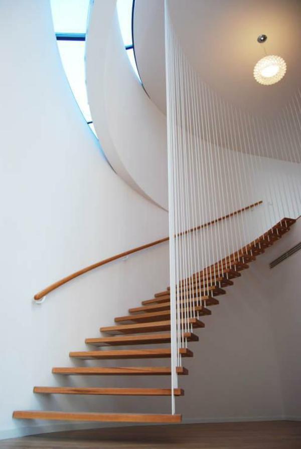 weiße wandgestaltung und elegante freischwebende treppen
