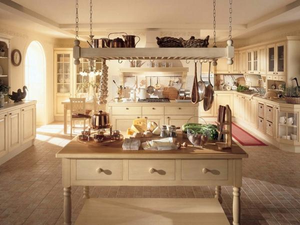 küche-mit-kochinsel-landhausstil- helle farbnuancen