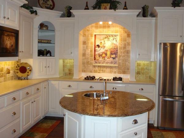 küche-mit-runder-kochinsel - weiße gestaltung