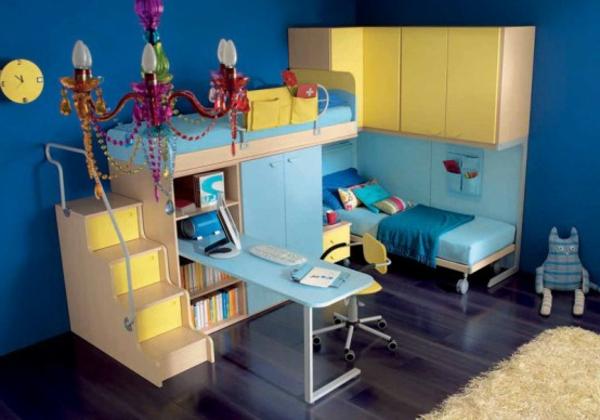 kinderzimmer-blau-und-gelb-kombinieren- luxuriösischer kronleuchter