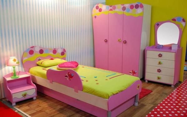 kinderzimmer-für-mädchen- moderne raumgestaltung in rosigen farben