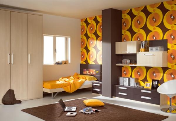 braune und orange farbe für kinderzimmer mit interessanten möbeln