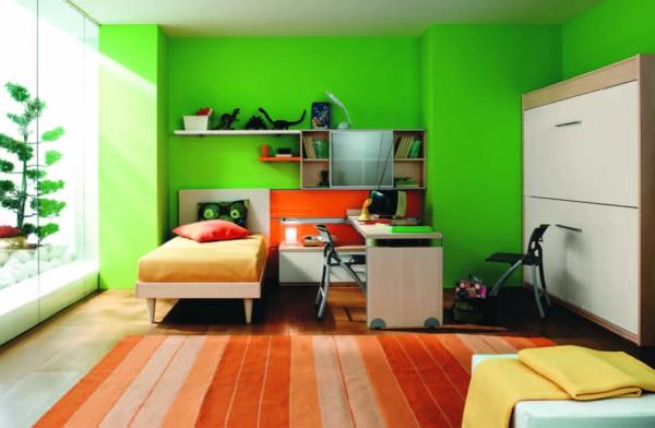 kindezimmer-mit-greller-wandgestaltung- oranges teppich