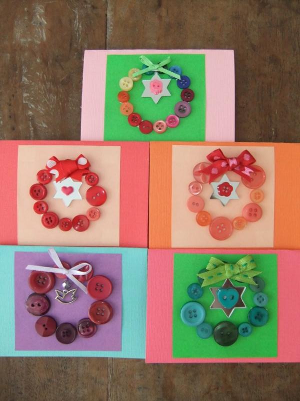 kreative-bastelideen-karten-aus-knöpfen-machen- verschiedene farbschemen