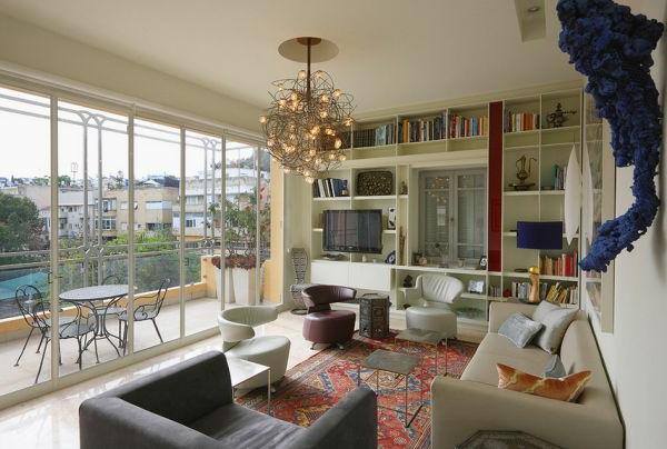 kronleuchter-im-modernen-wohnzimmer