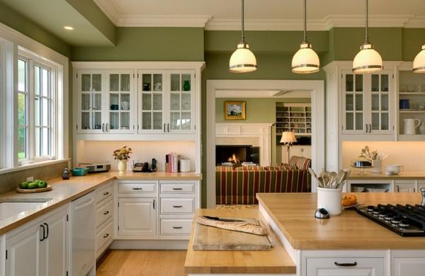landhausküche-schön - lampen hängen von der decke