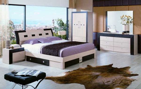 luxuriöses-schlafzimmer-mit-einem-extravaganten-teppich- und einer glaswand