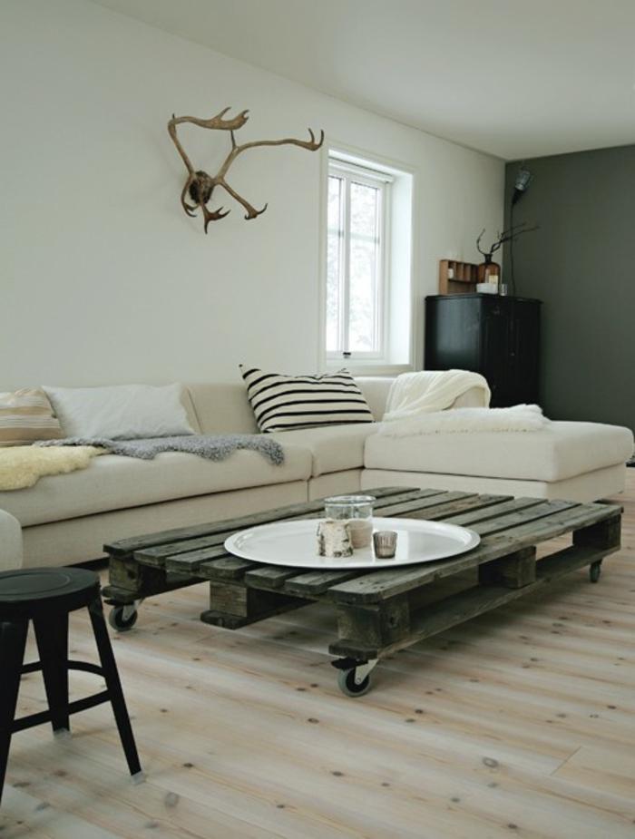 möbel-aus-paletten-sofa-tisch