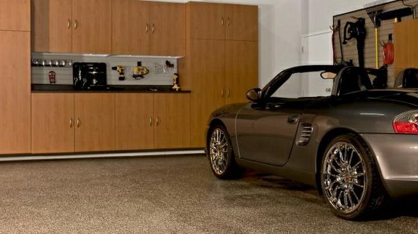 moderne-garagen-schönes-auto