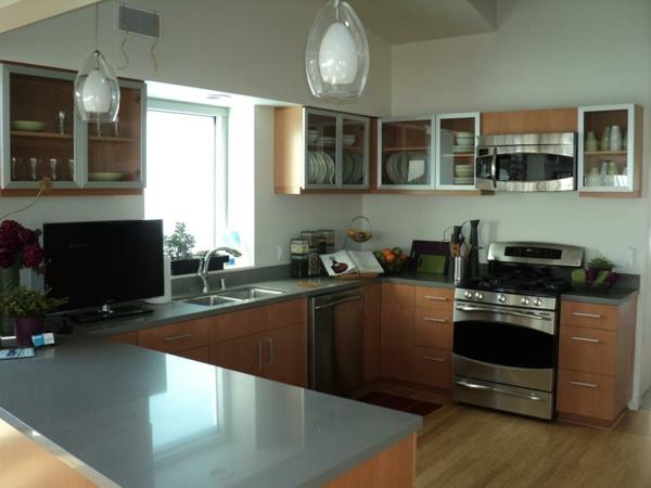 Moderne Küche Einrichten  Fenster  Helle Gestaltung