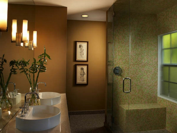 modernes-bad-mit-warmen-farbtönungen - glaskabine -dusche