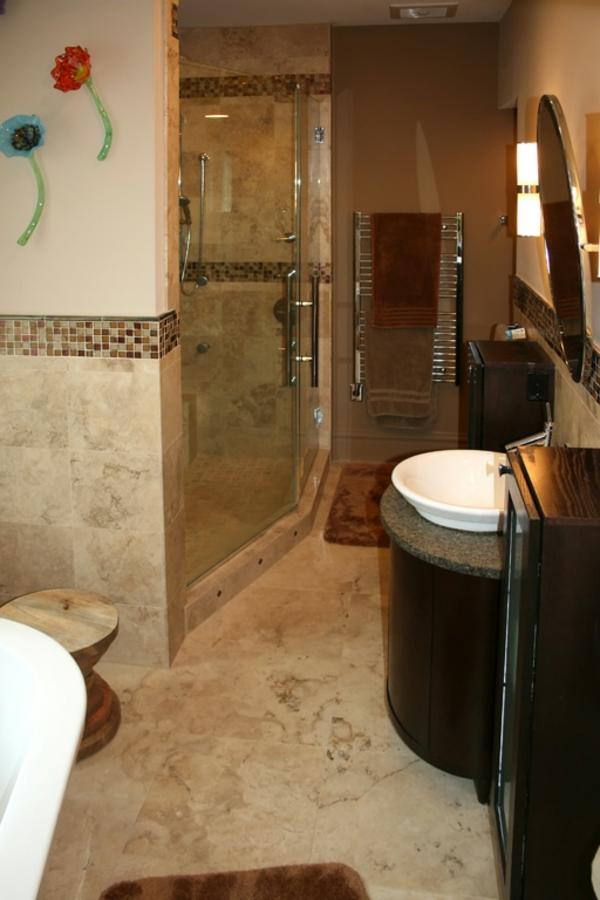 modernes-badezimmer-gestalten- mit dekoration und schönen fliesen