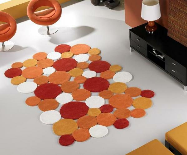 modernes-teppich-design-orange-weiß-und-rot- warme farbschemen