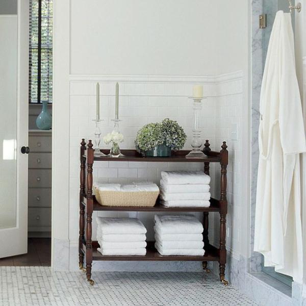 praktische-entscheidung-fürs-badezimmer- kerzen als dekoration