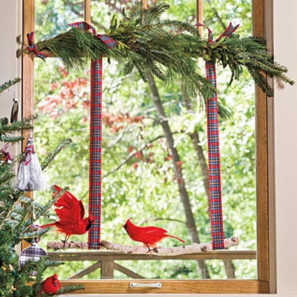 schöne-fensterdeko-zum-weihnachten- tannenbaum zweige