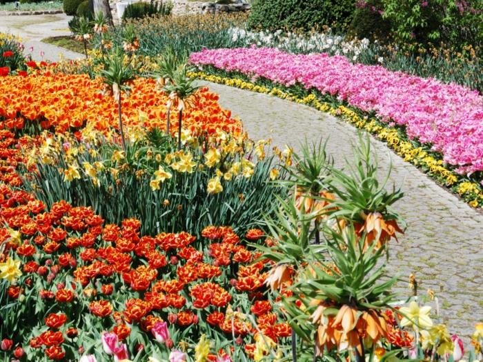 schöne-gärten-bilder-moderne-gartengestaltungen