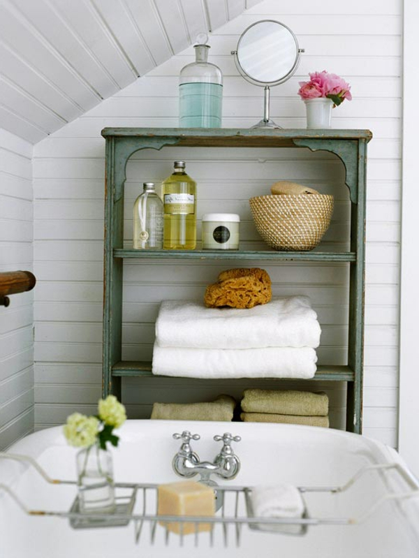schönes-badezimmer-mit-einem-regalsystem- kreativ gestalten