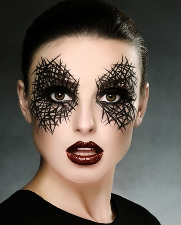 schwarzes-schminken-frau-halloween- interessante linien