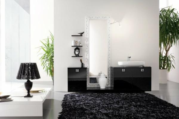 schwarzes-teppich-im-badezimmer mit deko pflanzen